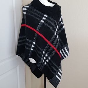 Variations knit poncho   size small